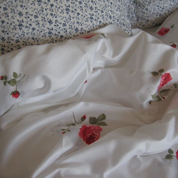 College DORM room Girls bedding- Pink Red rose print floral Twin XL queen king duvet cover-shabby chic bedding -fast EXPEDITED Shipping