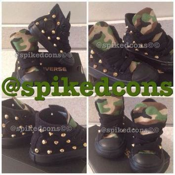 ICIKGQ8 camo tongue studded converse all youth sizes