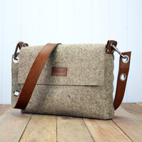 Mens Messenger Bag, Mens satchel bag / Messenger bag for men / Mens bag / Felted bag / Mens Felt Satchel / Felt Bag / Mens Felt bag / Manbag