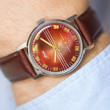 Classic men's wristwatch geometric, burgundy silver men wristwatch ZIM, stripy 90s fashion watch, mint condition watch new leather strap