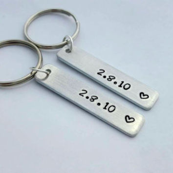 Custom Date, Keychain for couples, Custom Made, Couple Gift, I love you, Stamped Date, Anniversary Date, Personalized Gift, Bar Keychain