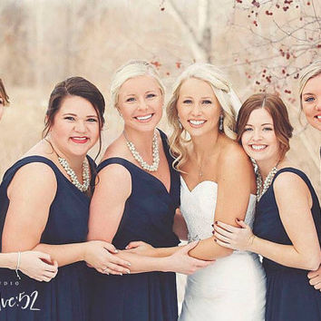 Ivory Pearl Necklace, Pearl Wedding Necklace, Pearl Bridesmaid Necklace, Pearl Cluster Necklace, White or Ivory Pearls, Bridesmaid Gift