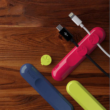 Magnetized Earphone Cable Organizer