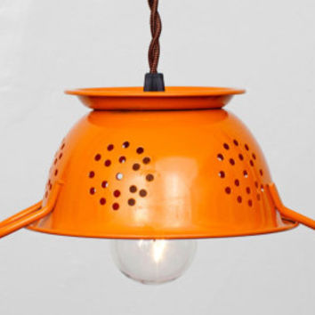Mini Kitchen Colander Pendant Light - White Enamel // Vintage Style Cloth Covered Twisted Cord & Bakelite Plug