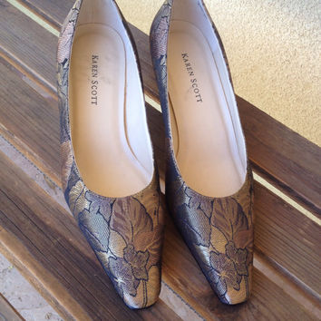 Tapestry Shoes, Gold fabric shoes, Kitten Heel Shoes, Size 6 Ladies Shoes, Retro Wedding Shoes, Gold Shoes size 6