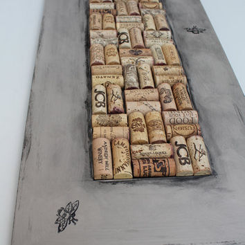 Cork Bulletin Board - Reclaimed Wood - Oak Wine Corks - 3 Busy Bees Art - functional home decor