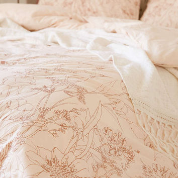 Plum & Bow Margot Climbing Floral Duvet Cover - Urban Outfitters