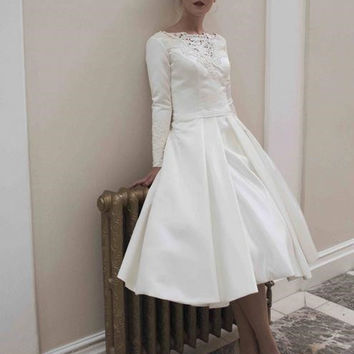 2017 year 1950 of style restoring ancient ways is simple wedding dress long sleeve lace applique and silk dress size