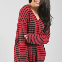 piko: ultimate everyday long sleeve v-neck tunic - wine/black