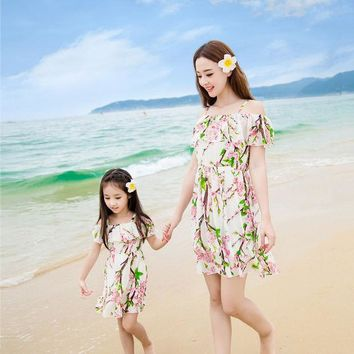 CREYWQA 2016 summer matching mother daughter clothes seaside beach holiday princess dresses family look girl and mother dress