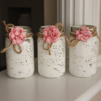 White Mason Jars, Painted Mason Jars, Shabby Chic Centerpiece, Rustic Centerpiece, Distressed Jars, Shabby Chic Vase, Rustic Vase, Teacher's