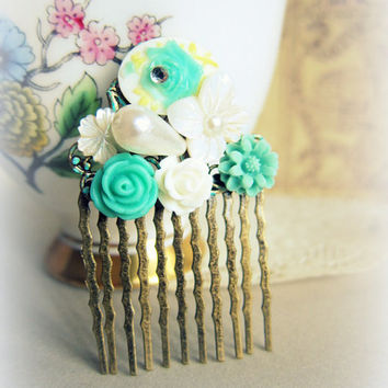 Turquoise Green Hair Comb Teal Wedding Flower Comb Floral Mint Green Head Piece Aqua Bridal Hair Comb Bridesmaid Gift For Brides