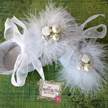Baby Girl  Glitter silver Crib Shoes  Baby by TheBabyBellaBoutique