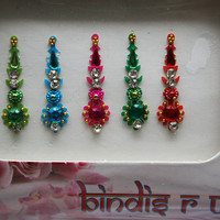 Simple Delicate Indian Bindis handcrafted with art.