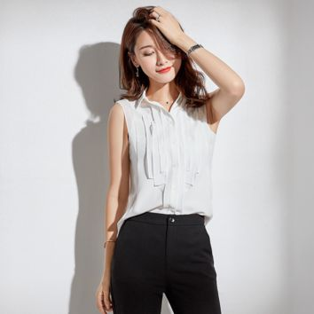 Sexy White Crew Neckline Sleeveless Button Up Closure Top