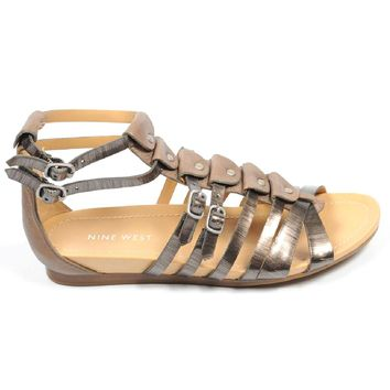 Nine West Womens Flat Sandal NWBUZZIE PEWTER TAUPE