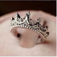Elegant Silver Crown Clear Crystal Ring