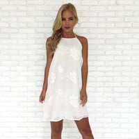 Rosas Embroider Halter Dress in White
