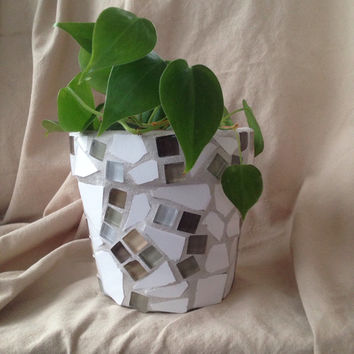 Flower pot, Handmade mosaics, terra cotta planter, outdoor garden decoration, patio planter, indoor planters