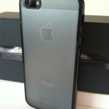 iPhone 5/5s Black Minimalist Hard Shell Case with Clear Frosted Back