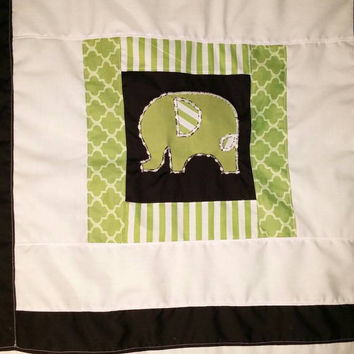 "FLASH Sale! Elephant patchwork baby / toddler blanket Green White Black 38"" x 40"". Unique baby shower gift. Handmade"