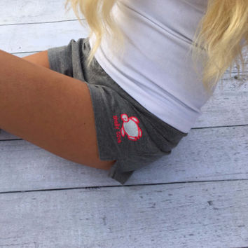 Heather Gray Short with Embroidered Turtle