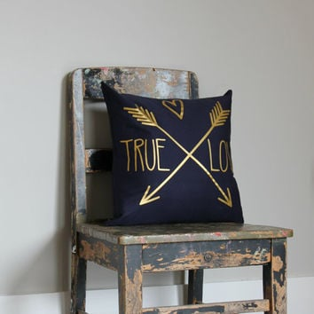 True Love Gold on Navy Throw Pillow Cover, Choose your colour print cushion cover, wedding gift, gold pillow cover, gold arrow cushion cover