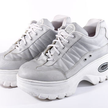 c6f0e16b3a0 90s Vintage Silver Chunky Platform Tennis Shoes Sneakers White Trainers  Club Kid Raver Spice Girl Womens