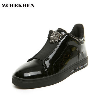 Europe  fashion men high top rivet  men Breathable shoes with PP tiger and gold buckle men casual shoe men's flats color silver
