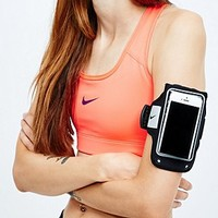 Nike Armband in Black - Urban Outfitters