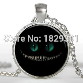 2017 New Classic Cat Cheshire Pendant The Sinister Smile Necklaces Alice In Wonderland Jewelry Glass Photo Necklace Pendants