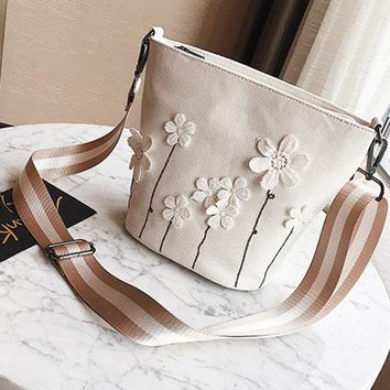 Canvas Casual Flower Decorational Bucket Bag Shoulder Bags Crossbody Bags For Women