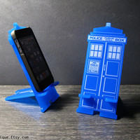 Doctor Who TARDIS iPhone Stand Docking Station For iPhone Dock for 4, 4S or 5
