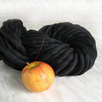 Super Bulky yarn, mega chunky yarn TITAN antracite, 10.45 oz mega thick yarn, hand spun merino wool, blanket yarn