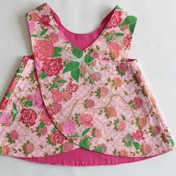 Cute reversible pinafore baby girls dress. Flowers and pink fabric. Baby girls 6 - 12 months. Cotton. Ready to ship