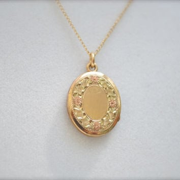 Gold Locket, Etched Locket,Vintage Locket, Locket, Gold Locket, WRE locket, 12k Gold Fill Locket, 1950s Locket, Locket, Gold Fill Locket