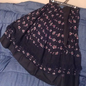 Carefree Fashions Scottsdale Arizona Long Lace Black Prairie Floral Skirt.
