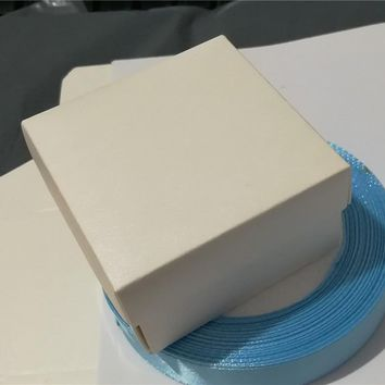 **.50pcs Creative White Paper candy wedding decorations/ Invitation Favors Little Gifts Storage Boxes