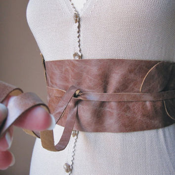 Leaves Vintage Brown Leather Obi Belt  by TheButterfliesShop