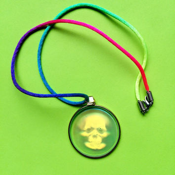 VTG 90's Skull Hologram Charm On Rainbow Rope Necklace
