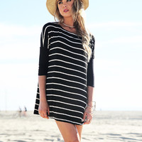 Loose Striped Long Sleeved T-Shirt
