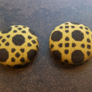 Fabric covered button earrings, Tribal Print Earrings, African Print Earrings