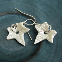 Porcelain Dangle Ivy Pearly Earings - Handmade jewelry