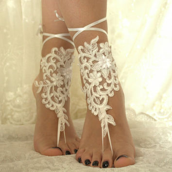 5 pairs bridesmaid gift Ivory or ivory lace wedding barefoot sandals french lace sandals, wedding anklet, Beach wedding barefoot sandals,