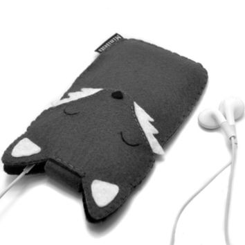 Wolf iPhone Sleeve Custom iPod Cover Cell Phone Case iPod Touch Cover Blackberry iPod Touch 5 sleeve