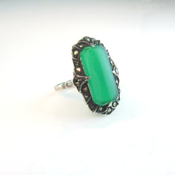 Art Deco Ring, Sterling Silver & Marcasite. Vintage Chrysoprase Gemstone, Green Chalcedony. Size 5.75 1920s. Made in Germany Jewelry