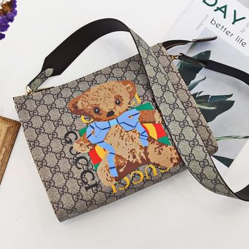 Free Shipping-GUCCI 2019 new personality retro wild casual mobile diagonal package