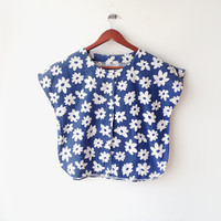 1960's Lovely Chill day Blue Daisy Printed Blouse TOP (M) floral Splash - summer spring