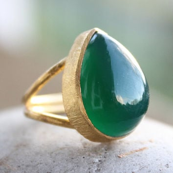 Gold Green Onyx Gemstone Adjustable Ring  Teardrop Stone by OhKuol