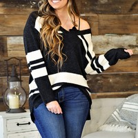 Props To You V Neck Sweater: Black/White